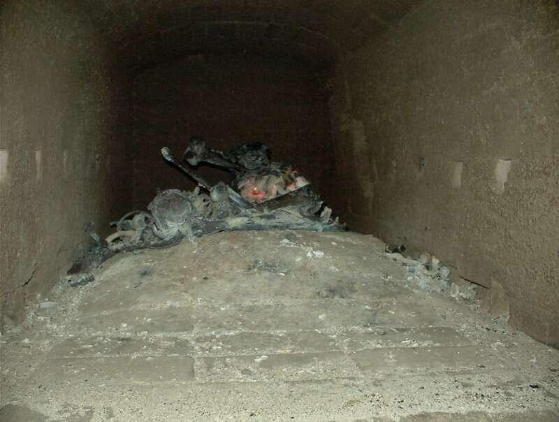 Cremación de restos cadavéricos (Etapa 4 - 30 minutos)